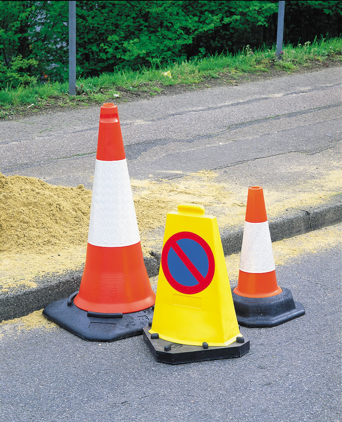 Traffic Cone Two Piece 0.75Mtr