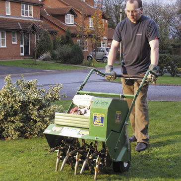 Powered Lawn Aerator Hollow Hss Hire