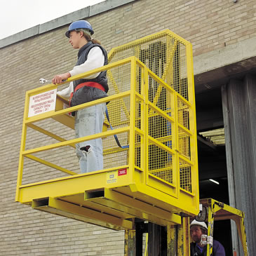 2-man-forklift-access-cage