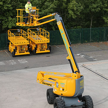 ha16px-16m-articulated-boom-lift